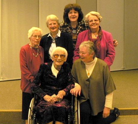 Persons on the picture: [b]Edith Moret, Marianne Wupper, Elisabeth Kapsreiter, Anita Janzen Elisabeth Flügge[/b] - in the wheel-chair -, [b]Dagmar Kersting[/b] – all women were presidents of German Baptist Women Union!